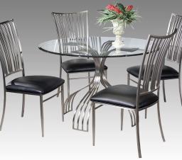 Стеклянные столы на кухне